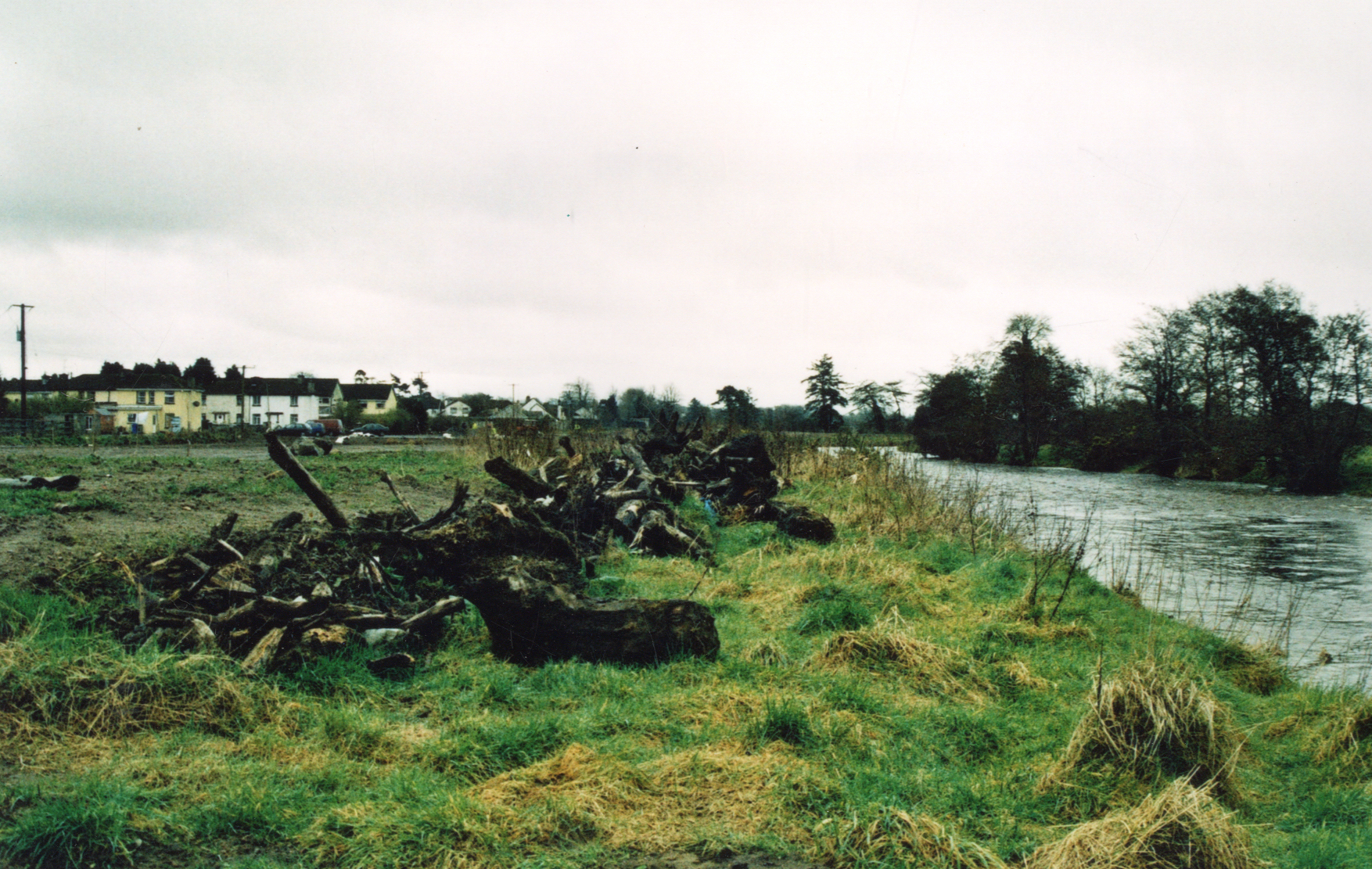 Baltinglass Park Before intervention, a derelict site by the river Slaney